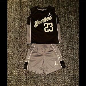 🔥Flash sale🔥Nike Jordan short set size 2T